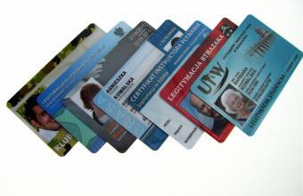 legitymacje na kartach plastikowych