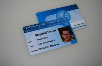 certyfikat plastikowy